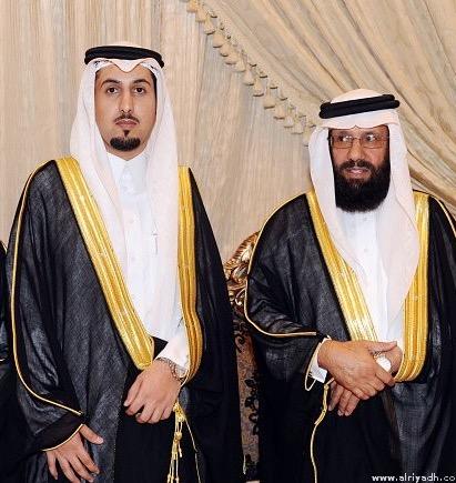 نبارك للشيخ / عبدالرحمن بن عبدالله الحمود حصول ابنه عبدالله على درجة الماجستير